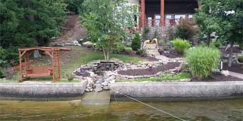 Beautiful and professional landscape design at Lake of the Ozarks