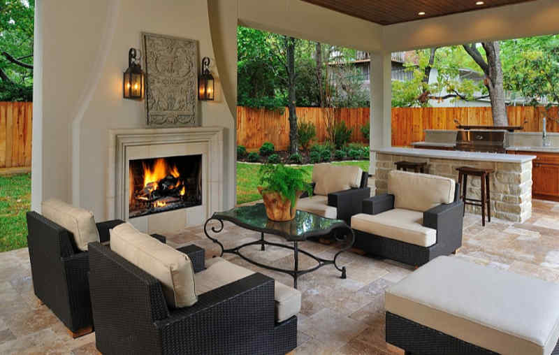 Strategies for Furnishing an Outdoor Living Room